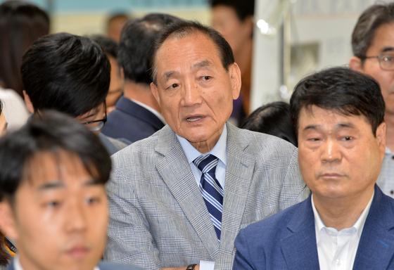 김효재(가운데) 전 한나라당 의원 [중앙포토]