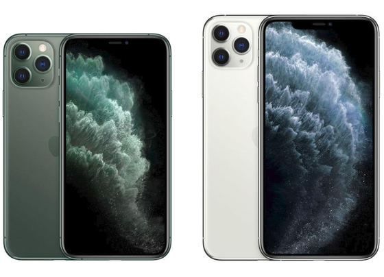 각각 5.8인치와 6.5인치 OLED 패널이 탑재된 아이폰11 프로(왼쪽)와 아이폰11 프로맥스. [사진 애플 홈페이지]