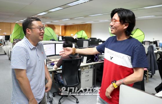 우상준(왼쪽) 나부스튜디오 대표와 정욱 넵튠 대표.                    분당=정시종 기자