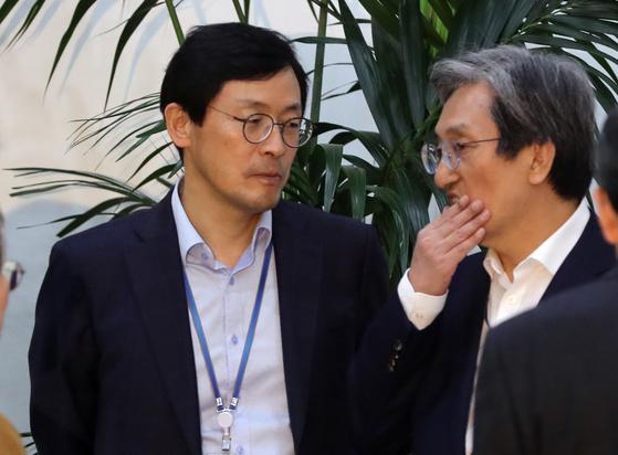 노영민 비서실장(오른쪽)과 이호승 경제수석 [연합뉴스]