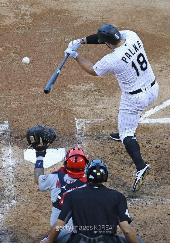 삼성의 대체 외국인 타자인 다니엘 팔카. 2018년 시카고 화이트삭스 팀 내 홈런 1위에 오른 거포지만 삼진이 많다. 배트 스피드가 워낙 빨라 스윙 폭을 줄이는 게 낫다는 평가도 있다. 콘택트에 더 집중할 필요가 있다는 의미다.