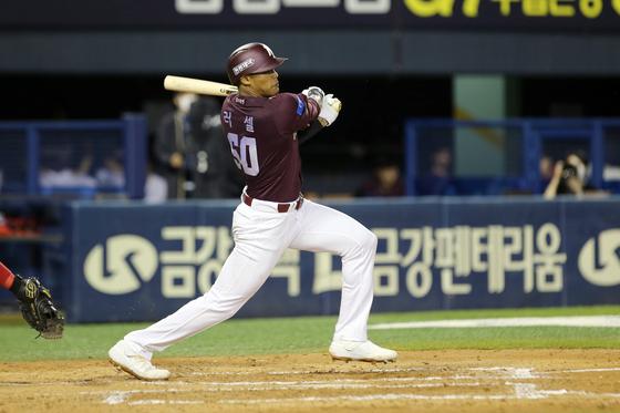 31일 대구 삼성전에서 KBO 리그 데뷔 첫 홈런을 때려낸 에디슨 러셀. 키움 제공