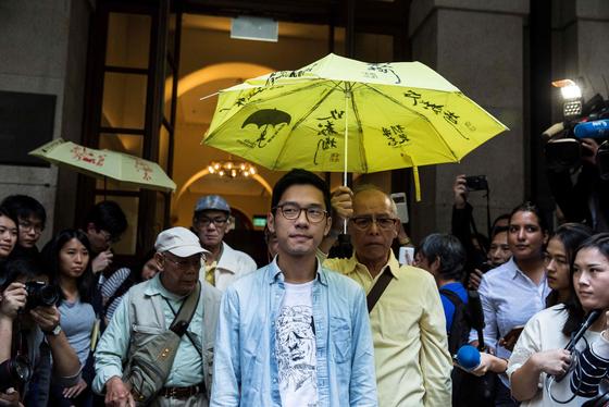 2014년 홍콩 '우산 혁명'의 주역 네이선 로(26) 데모시스토당 전 주석, 현재 그는 영국으로 망명한 상태다. AFP=연합뉴스