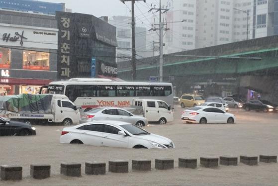 [영상]이번엔 천안·아산 물폭탄…온양천·아산천 범람 위기 주민 대피령