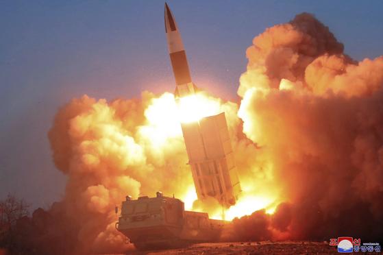 북한이 지난 3월 21일 평안북도 선천에서 발사한 단거리 탄도미사일. [AP=연합뉴스]
