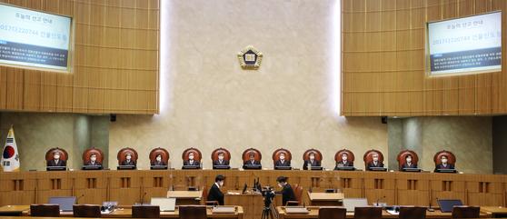 대법관 14명→48명 늘리자 상고제도 개혁 총대멘 이탄희
