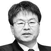[이철호 칼럼] 산뜻한 '윤희숙 현상'…정권의 급소를 찌르다