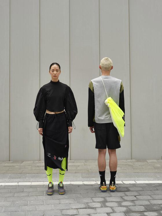 버려지는 재고 의류를 해체한 뒤 재조합하는 리디자인 방식으로 새로운 상품을 만드는 일에 코오롱 '래코드'와 '나이키'가 함께 했다. 사진 래코드