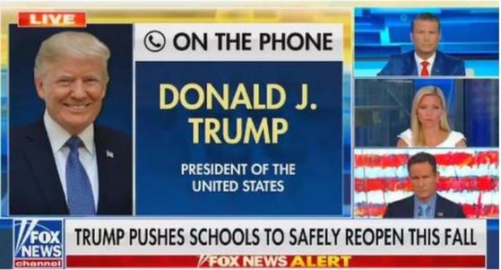 """현지시간 5일 트럼프 대통령은 폭스뉴스와의 전화 인터뷰에서 학교 문을 다시 여는 것과 관련해 """"어린이들은 코로나19에 거의 면역력이 있다""""는 발언을 했다. 이 내용을 트위터와 페이스북에 모두 올렸는데 각각 숨김, 삭제 조치를 당했다."""