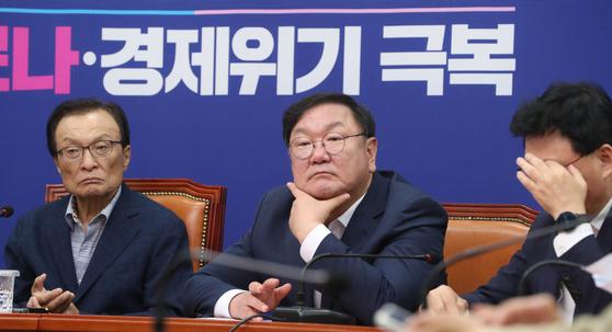 [단독] 가짜뉴스 잡아야 집값 잡는다? 대응팀도 꾸린 민주당
