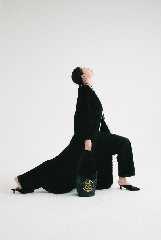 신생 패션 브랜드 '아크', 첫 컬렉션 선보인다
