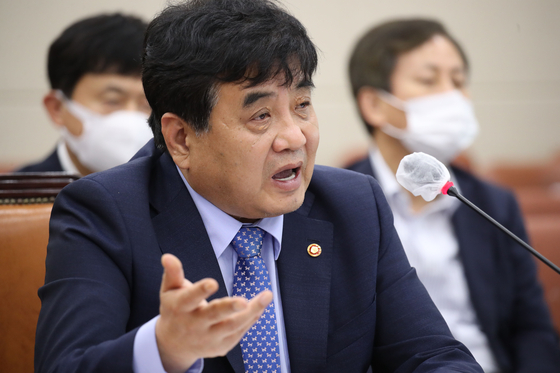 통합당 윤석열 언급 한상혁 국회 부르자…민주당 곤란