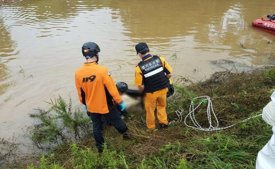 지난 2일 충북 음성에서 급류에 휩쓸린 뒤 실종됐던 60대 여성이 9일 만인 11일 경기도 남양주 인근 한강에서 발견됐다. [사진 충북소방본부]