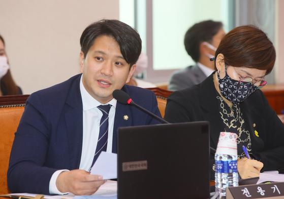 더불어민주당 전용기 의원. 연합뉴스