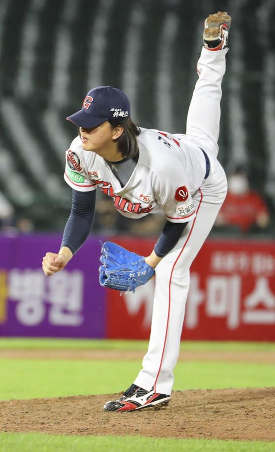 올스타 투표 드림리그 마무리 1위를 달리고 있는 김원중. [연합뉴스]