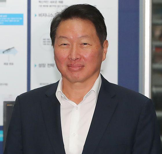 최태원 SK그룹 회장 상반기 보수 39억원…두산 박정원 회장은 8억7000만원