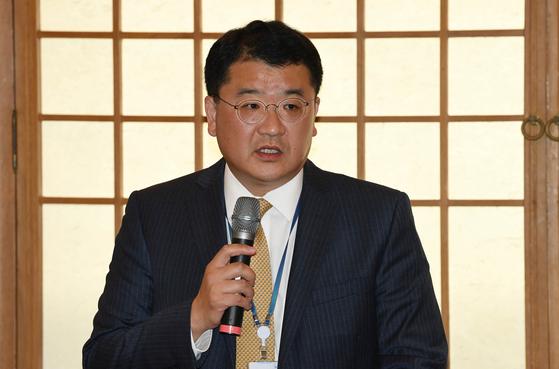 40대 최연소·비외교관…외교부 1차관 최종건 파격인사에 술렁