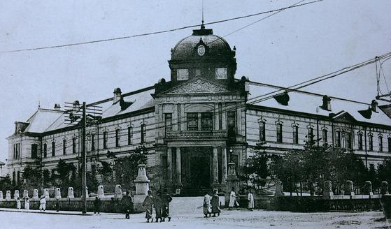 동양척식주식회사. 회사란 이름을 가장한 조선 총독부의 공식 수탈기관이었다, [ 사진가 권태균 제공 ]