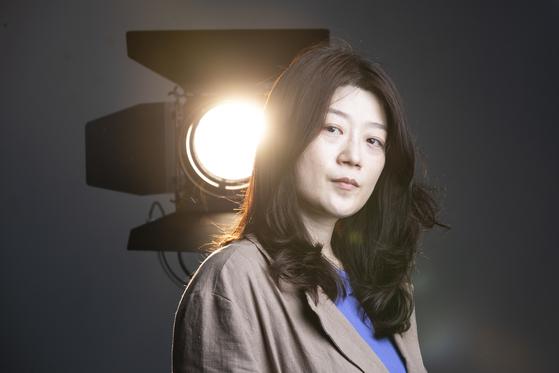 영화 '69세'로 장편 데뷔한 임선애 감독을 17일 중앙일보 스튜디오에서 만났다. 권혁재 사진전문기자