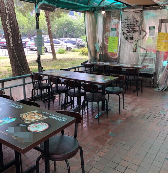 19일 서울 영등포구 여의도 63빌딩 근처 식당가는 점심 시간인데도 한산했다. 배정원 기자