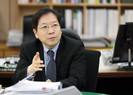 """김세용 SH공사 사장은 ' 부동산 가격 안정을 위해 민간업체들도 건설원가를 공개토록 적극 유도해야 한다""""고 말했다. [SH공사]"""