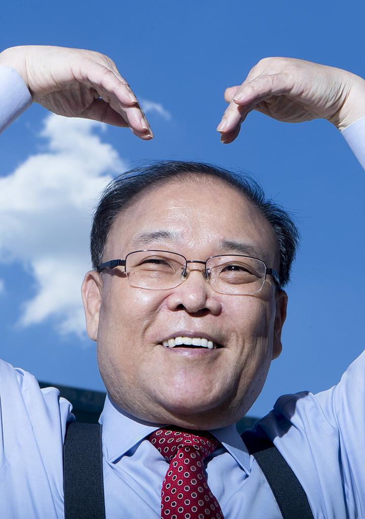 [권혁재의 사람사진] 날씨 예보 인생 42년 '날씨 마스터' 반기성