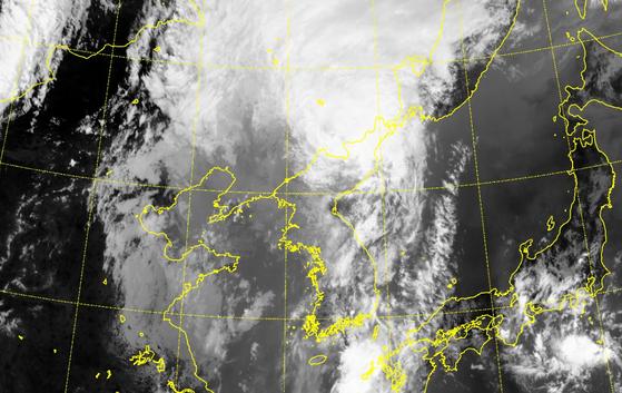 27일 오후 1시 30분 위성으로 본 태풍 바비의 모습. 기상청