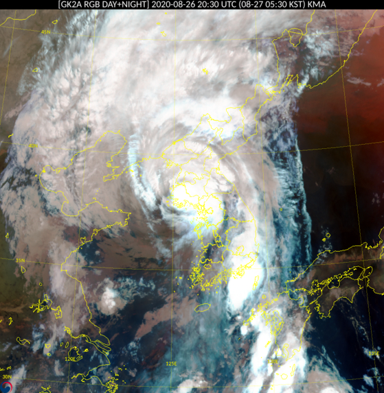 위성으로 본 태풍 바비의 상륙 모습. 기상청