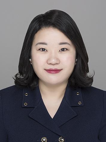 """김혜정 왓챠 마케팅 이사. 그는 '여러 개의 OTT 중 원하는 서비스를 골라 보는 시대가 올 것""""이라고 예측했다. [사진 왓챠]"""