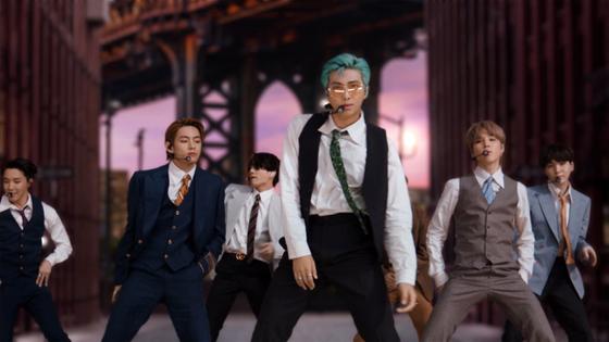 지난달 30일(현지시간) MTV 비디오 뮤직 어워드에서 신곡 '다이너마이트' 무대를 첫 공개한 방탄소년단. [AFP=연합뉴스]