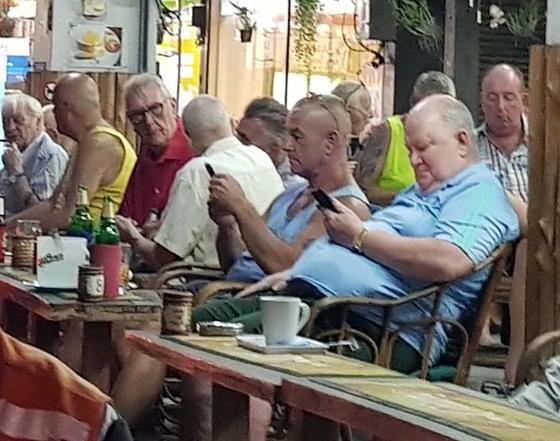 아침 식사를 하러 나오는 우리 일행과 만나 식당으로 갔다. 대부분 서양 사람이다. 나이도 60~70대다. [사진 조남대]