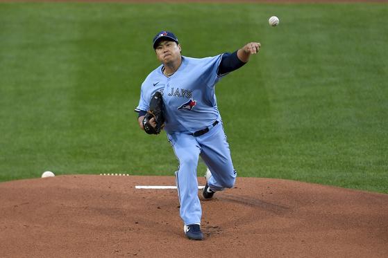8일 양키스전에서 역투하고 있는 류현진. [AP=연합뉴스]