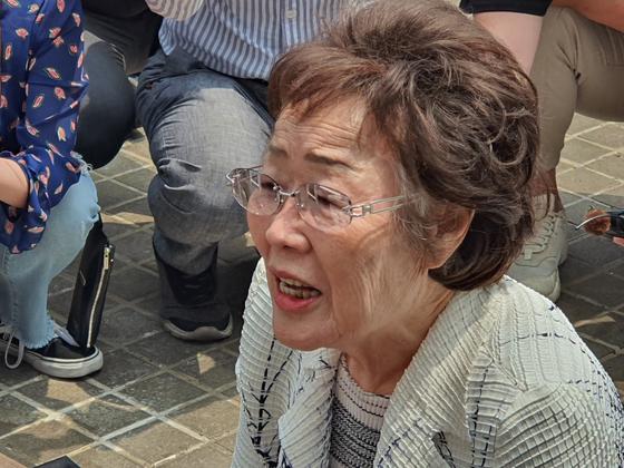 지난 6월 6일 '대구·경북 일본군 위안부 피해자 추모의 날'을 맞아 대구 중구 희움 일본군 위안부 역사관에서 이용수 할머니가 발언하고 있다. 연합뉴스