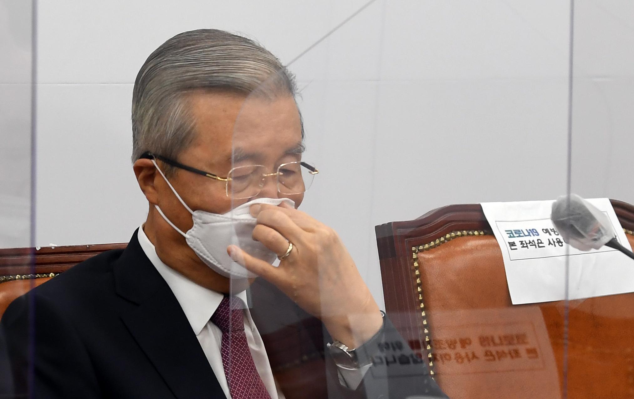 국민의힘 김종인 비상대책위원장이 10일 오전 국회에서 열린 비상대책위원회의에 참석했다. 연합뉴스