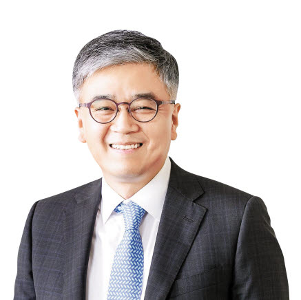 김길선 심사위원장 (서강대학교 경영전문대학원 교수/한국생산관리학회 부회장)
