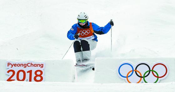 2018 평창올림픽 당시 서정화의 경기 모습. [연합뉴스]