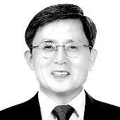 김희규 신라대 교육학과 교수·전 한국교육정책연구소장