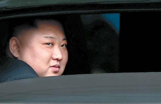 지난해 2월 말 하노이에서 열린 북·미 정상회담을 위해 베트남 동당역에 도착한 김정은 북한 국무위원장의 모습. [로이터=연합뉴스]