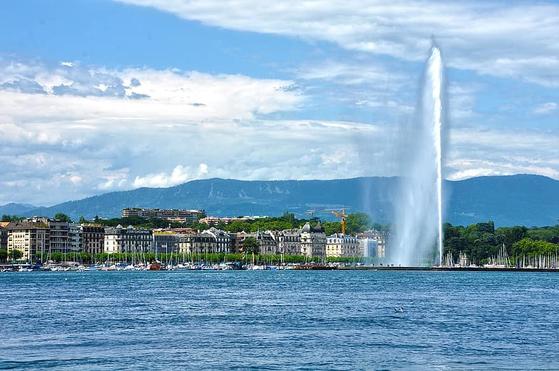 아름다운 나라로 손꼽히는 스위스 제네바에는 세계무역기구(WTO) 건물이 있다. 세상에서 가장 아름다운 건물 중 하나로 꼽히는데 회의장에서는 불꽃 튀는 경제 전쟁이 펼쳐진다. [사진 pikist]