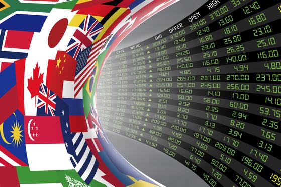 해외주식 직구족이 늘면서 증권사도 고객 확보에 열을 올린다. 셔터스톡