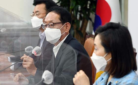 추미애 법무부 장관 아들 관련 회견하는 국민의힘 법사위원들 [연합뉴스]
