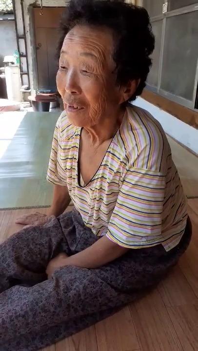 [영상]코로나로 욕보제. 추석엔 딱 들어 앉았꺼라 의성 할매들의 영상편지