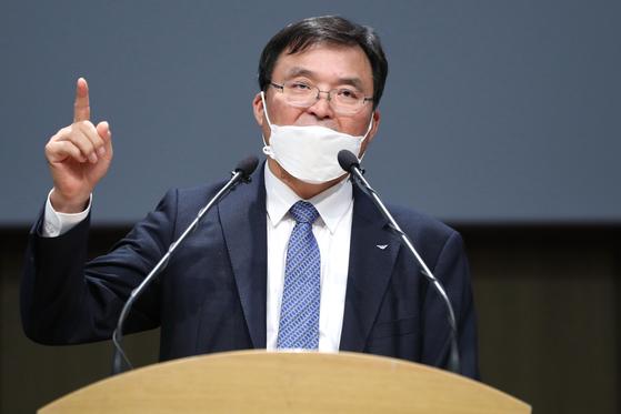 구본환 인천국제공항공사 사장이 16일 오후 인천 중구 인천국제공항공사에서 기자회견을 열고 국토부의 해임 건의안에 대해 입장을 밝혔다. 연합뉴스