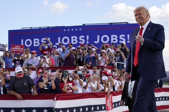 지난 8월 17일 위스콘신 주에서 선거 유세에 나선 도널드 트럼프 대통령. [AP=연합뉴스]