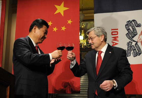 물러나는 시진핑 친구 주중 美대사…코로나 중국 잘못 직격탄
