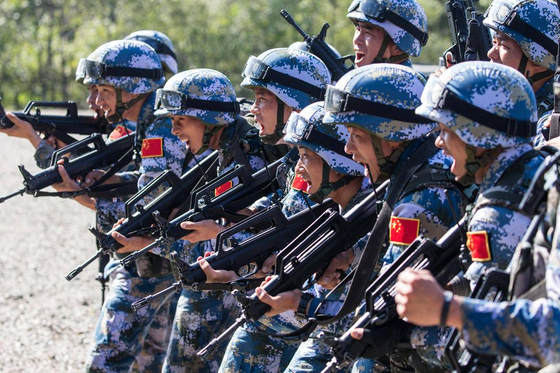 중국은 대만과의 전쟁이 발발할 경우 대만에 상륙할 병력이 절대적으로 중요하다는 판단 아래 해병대 양성에 심혈을 기울이고 있다. [중국 신화망 캡처]
