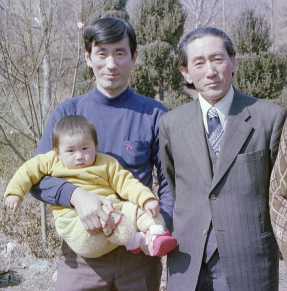 왼쪽부터 손자 임준영, 아들 임정의, 할아버지 임인식. 모두 사진가이다.