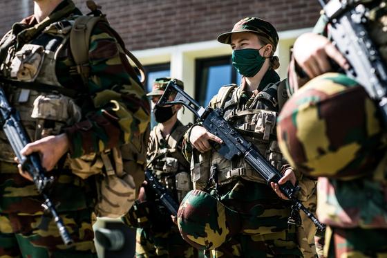 벨기에 엘리자베스 공주가 지난 10일 벨기에 있는 군 캠프에서 군사 훈련에 참여하고 있다. 벨기에 왕실 제공. 로이터=연합뉴스