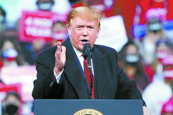 도널드 트럼프 미국 대통령. 11월 3일 미국 대선 결과에 따라 한반도 정세는 크게 영향을 받을 것으로 보인다. [AP=연합뉴스]