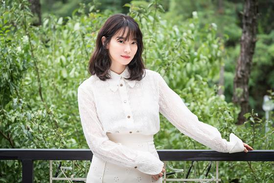 다이빙 영화 '디바'로 6년만에 스크린 복귀한 배우 신민아를 17일 온라인 인터뷰로 만났다. [사진 에이엠엔터테인먼트, 영화사 올]